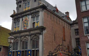 2-Abseiltechnieken-monumentaal-schilderwerk-op-hoogte