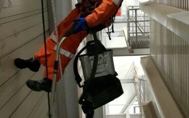 6 Abseiltechnieken rope access fabrieksreiniging