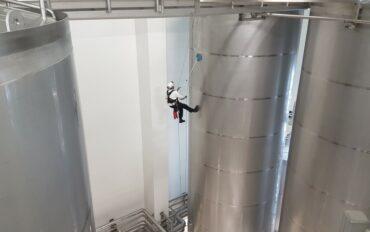 5 Abseiltechnieken reinigen oplevering zuivelfabriek rop access