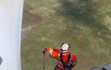 2 Abseiltechnieken rope access reiniging windmolens