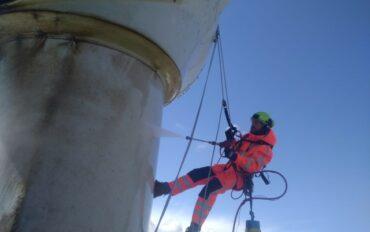 3 Abseiltechnieken rope access reiniging windmolens