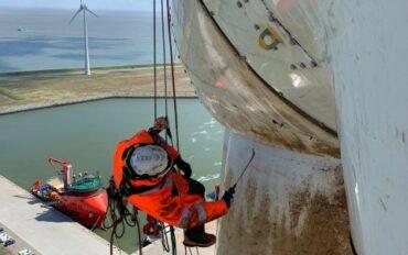 4 Abseiltechnieken rope access reiniging windmolens