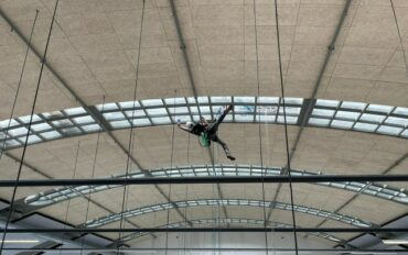 3 Abseilttechnieken ramenbewassing Stationspostgebouw Den Haag