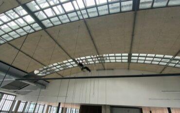 6 Abseilttechnieken ramenbewassing Stationspostgebouw Den Haag